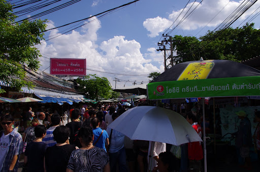 Heaving crowds at the Chatuchak weekend market.