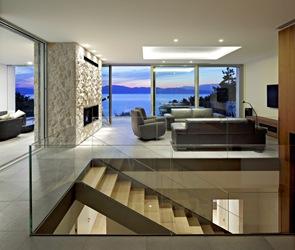 Interiorismo diseño de escaleras con vidrio