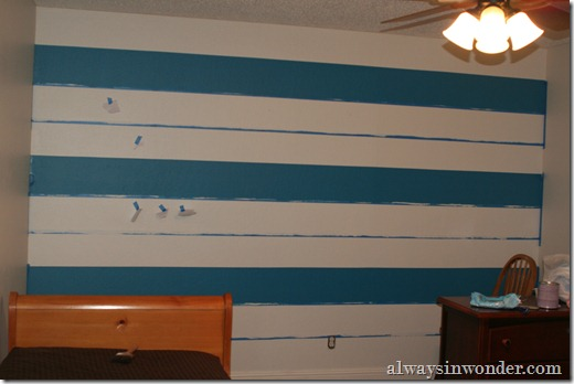 Painting_stripes_on_a_wall (14)