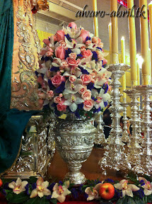 exorno-floral-rosario-xxv-aniversario-santa-maria-del-triunfo-alvaro-abril-2013-(1).jpg