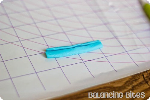 How to make a fondant or gum paste bow by Balancing Bites (21 of 23)
