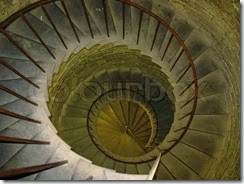 1672595-737898-old-spiral-spin-stair-in-in-ancient-tower