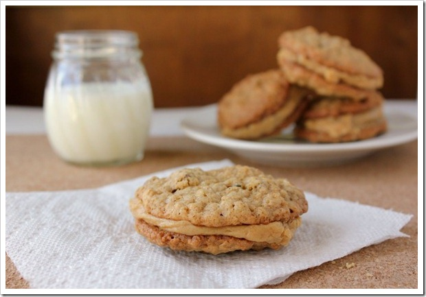 oatmeal-cookies-with-peanut-butter-filling11