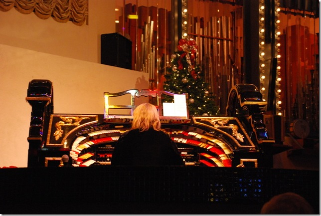12-15-11 B Organ Stop Pizza (3)
