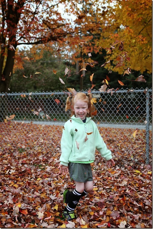 Sara throwing leaves (6)-small