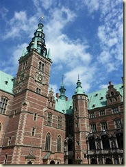 20130729_ Frederiksborg Castle courtyard (Small)