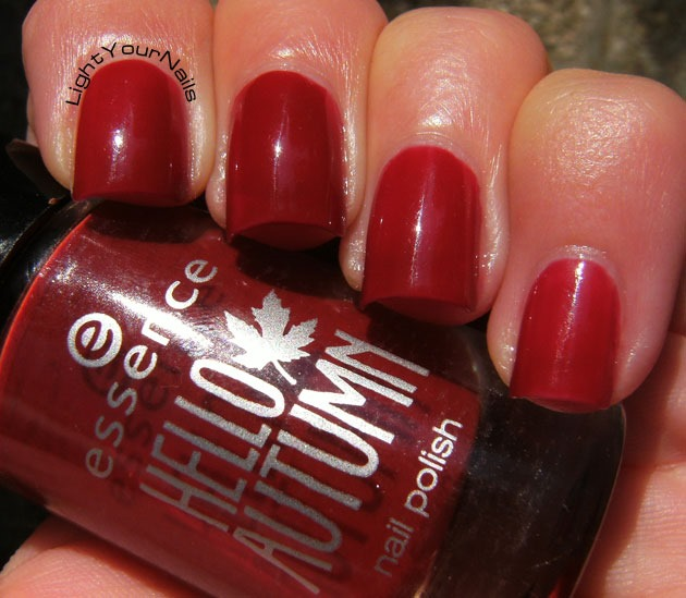 Essence Hello Autumn Thermo Effect Beauti-Fall Red