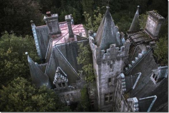 abandoned-castle-belguim-13