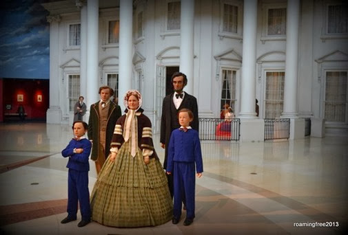 The Lincoln's move to the Whitehouse