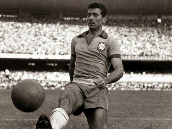 Nílton Santos - o maior lateral-esquerdo de todos os tempos