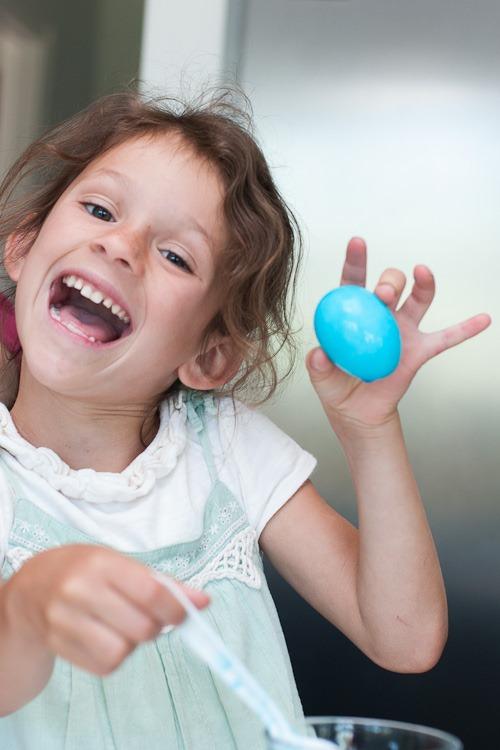 dying easter eggs blog-11