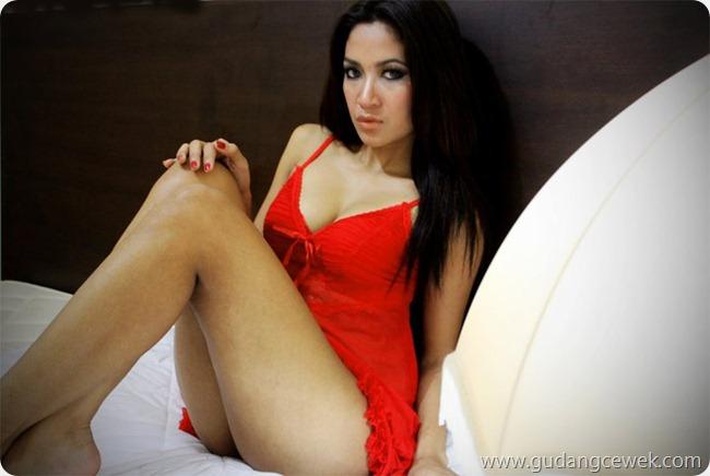 Foto Hot Model Bugil Artika Maharani
