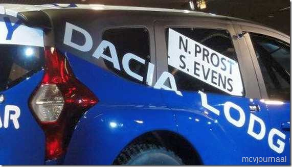 Dacia Lodgy MPV 08 - blik op achterzijde en achterlicht