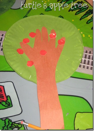 Paper Plate Apple Tree by Turtle