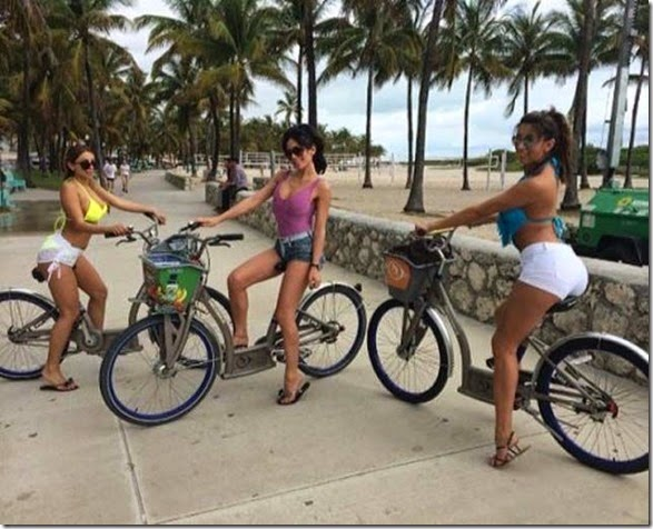 girls-riding-bicycles-005