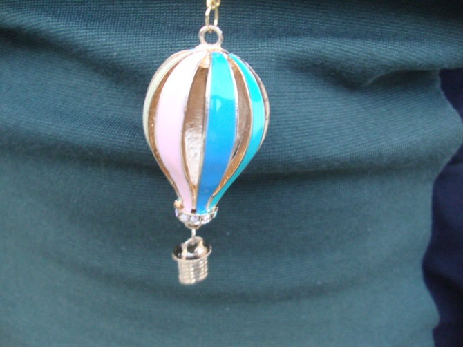 hot air balloon necklace spark