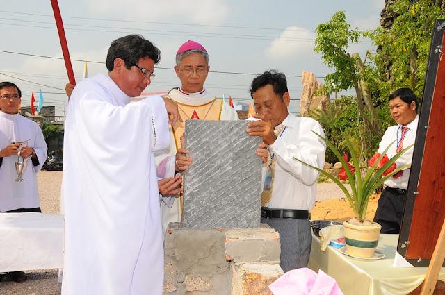 Thánh lễ đặt viên đá xây dựng nhà thờ giáo xứ Công Chánh