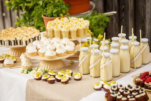 Dresdner Schokowerk Candy Bar Dessert Table Hochzeitsplaner.jpg
