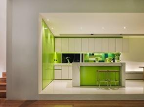 muebles-blanco-y-verde-para-cocina