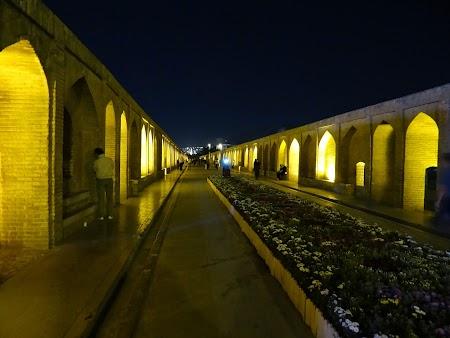 44. Podul Si-o-Seh Esfahan.JPG