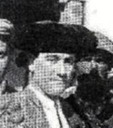 1908-05-24 (p. 28 Nuevo Mundo) Corrida de Beneficencia Foto toreros - detalle cara