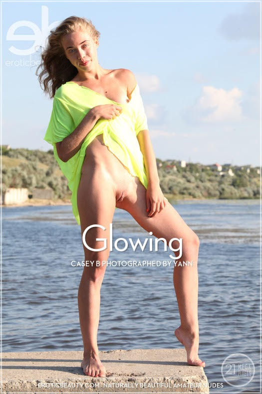 cover_23967963 [Eroticbeauty] Casey B - Glowing eroticbeauty 10270