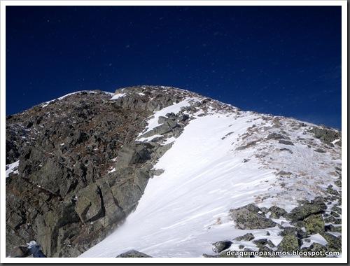 Canal Central SO 200m 50º con esquis (Pico de la Montañeta 2552m, Benasque, Pirineos) (Isra) 3355