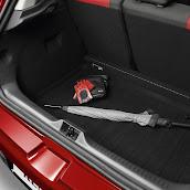 2013-Renault-Clio-4-Interior-8.jpg
