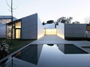 casa con piscina barcelona
