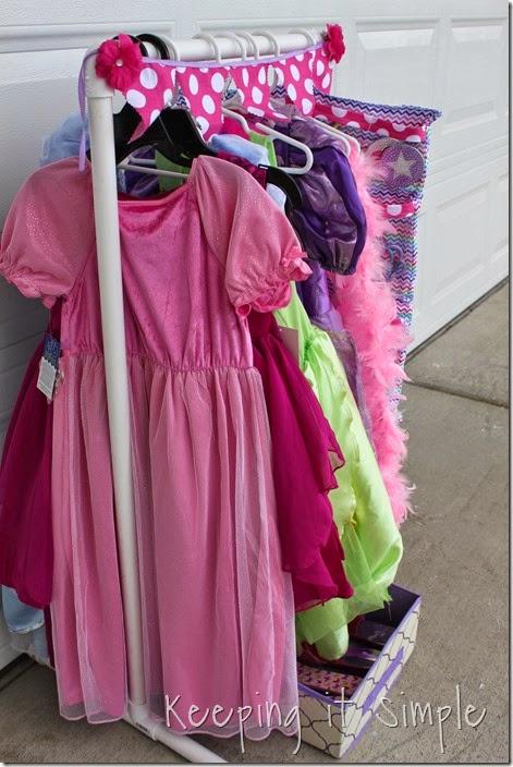 DIY Little Girls Dress Up Station  (37)