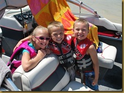 Kya, Tyson and Connor on boat