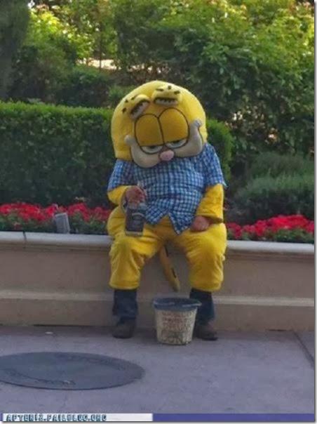 mascots-creepy-wrong-1