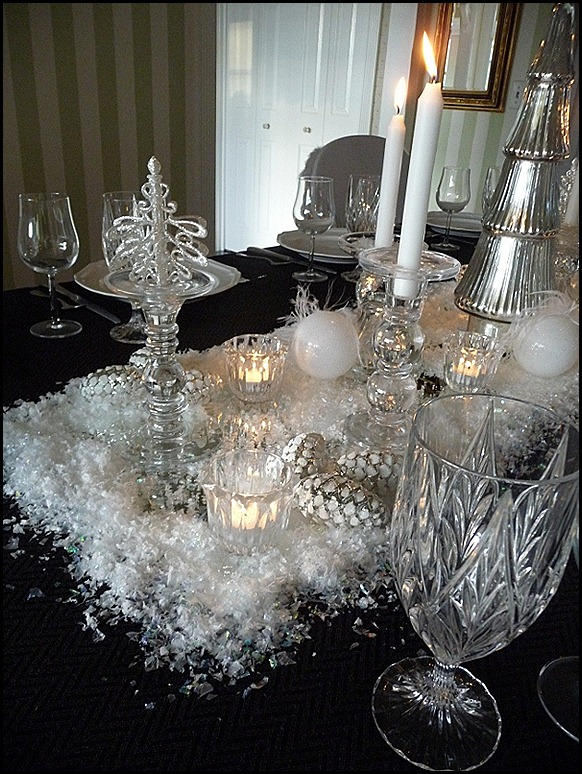 Christmas dining room black 2011 018 (600x800)