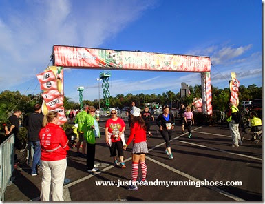 Mickey's Jingle Jungle 5K (22)