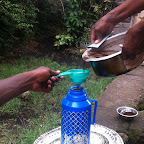 Filtern des Kaffees © Foto: Doreen Schütze | Outback Africa
