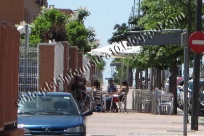 #Parla, la ciudad sin ley - terrazas ocupando acera