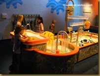 playing-with-water-kids-science-discovery-place-charlotte