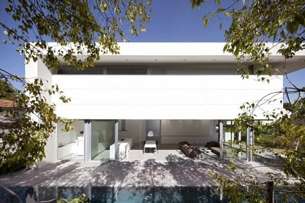 Casa-contemporánea-minimalista-Afeka-House-1