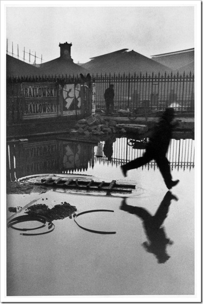 Henri_Cartier-Bresson_Behind_Saint-Lazare_Train_Station_1932