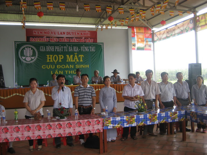 HopMatCuuDoanSinhLan1_09.jpg