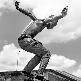 Easy-E 1 by Rick Stufflebean - Sports & Fitness Skateboarding ( sony, skateboarding, skate, a77, shred, sigma 50-150, skateboard )