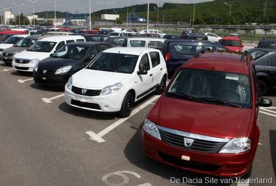 [Dacias%2520wachten%2520op%2520transport%252003%255B6%255D.jpg]