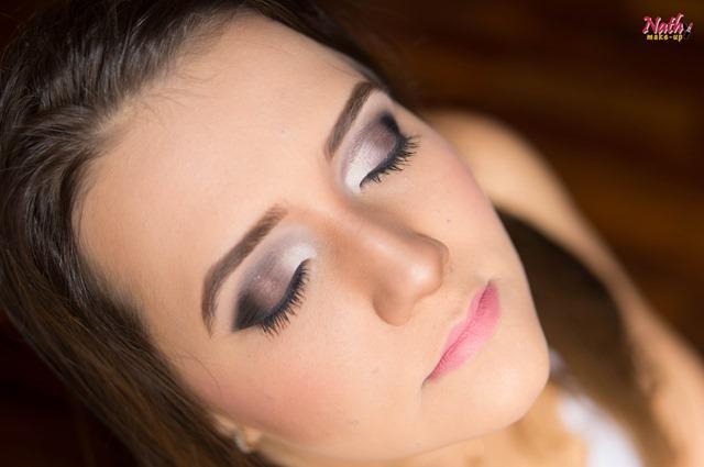 maquiagem em tons neutros