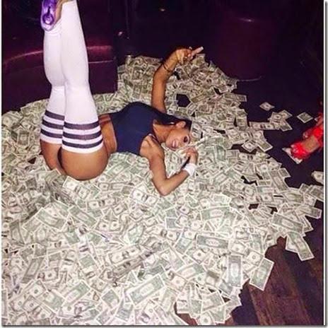 strippers-money-023