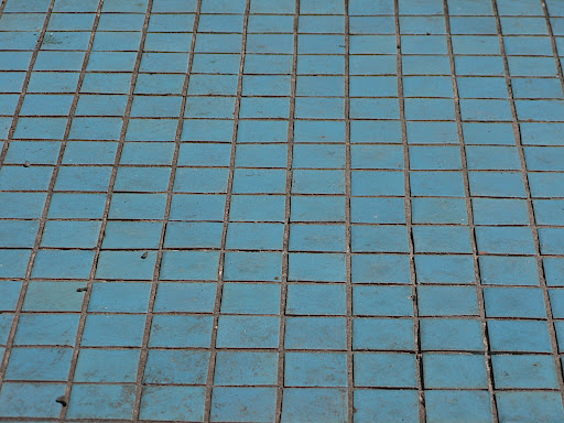 I really liked the color of these little blue tiles.