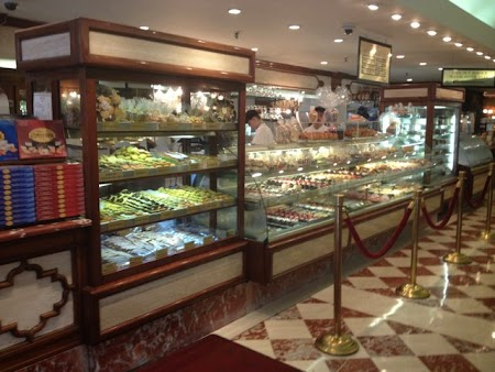Tur culinar New York: Ferrara Bakery