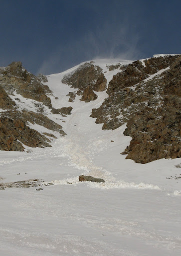 The Hopeful Couloir on the n.e. face of Hope. The banshees (spindrift) make a guest appearance up high.