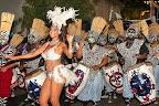 Una semana después del Desfile Inaugural se lleva a cabo la máxima fiesta de la colectividad negra de Uruguay, el Desfile de Llamadas. Agrupaciones de negros y lubolos (blancos pintados de negro) desfilan por las calles de los barrios Sur y Palermo de Montevideo. El desfile, de más de 1,5 kilómetros de largo, congrega a miles de tambores que tocan el ritmo conocido como candome / Foto: Oficina Nacional de Turismo de Uruguay.