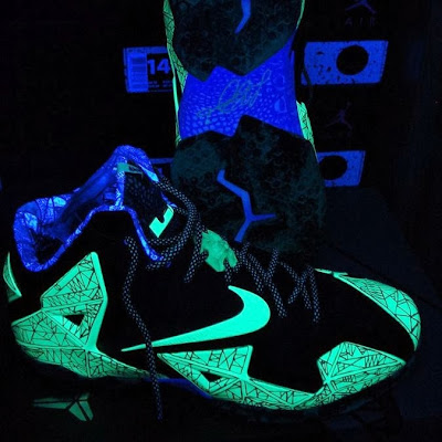 nike lebron 11 gr allstar 10 03 This is How Gator King Nike LeBron 11 Glows Under Black Light!