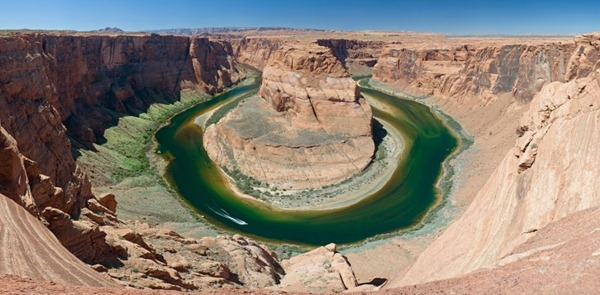 Horseshoe_Bend_Colorado_River_Arizona_08-728x358